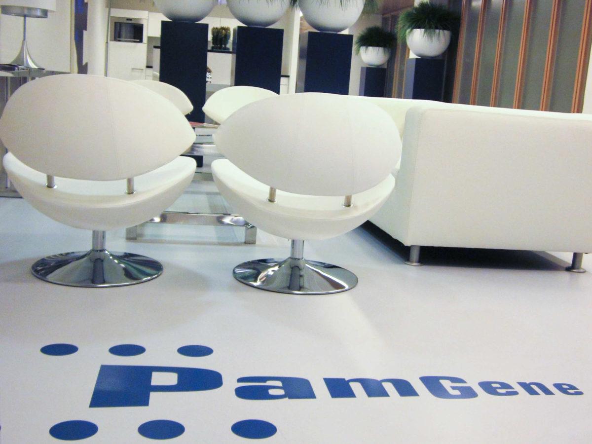 PamGene | Gietvloer met Logo
